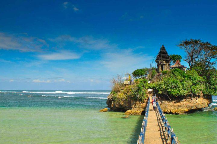 Pantai Balekambang 1
