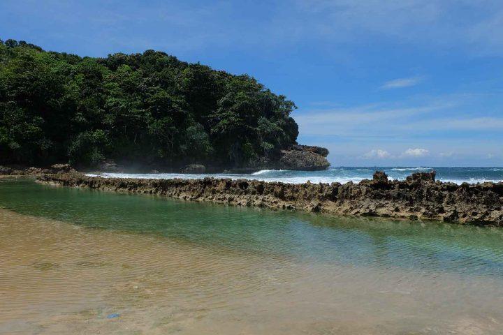 Pantai Batu Bengkung 1